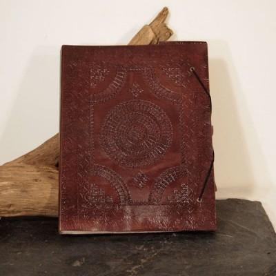 Carnet à dessin en cuir frappé, T5