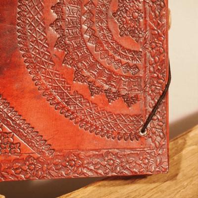 carnet en cuir frappé artisanat pièce unique