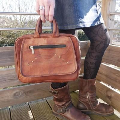 pochette vintage en cuir pour tablette