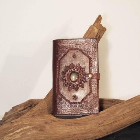 Liseuse en cuir frappé - Pierre - Petit format
