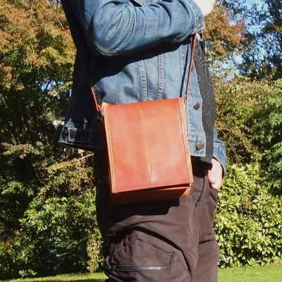 petite-sacoche-cuir-homme-vintage-bandoulière-à rabat-T1
