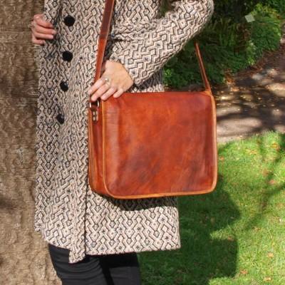 sacoche en cuir vintage à bandoulière rabat rond L