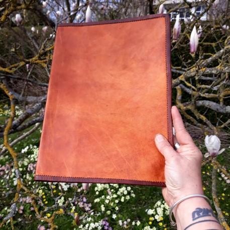 Grand couvre-livre / Protège cahier A4 en cuir naturel