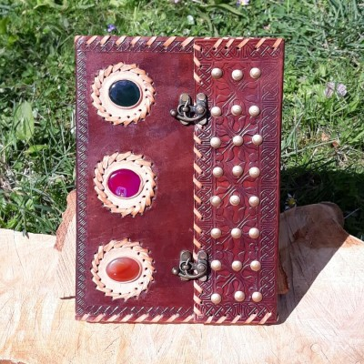 Grimoire en cuir - Rivets & Pierres - Crochet - XL