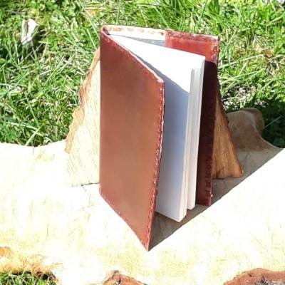 Couvre-livre en cuir / Liseuse marron brut - Petit format