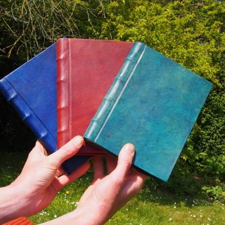 Livre relié en cuir coloré - Zuffer - M