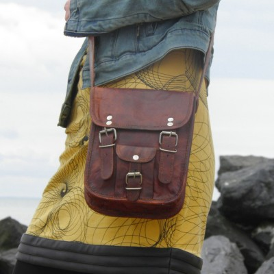 petite sacoche en cuir vintage homme à bandoulière partique