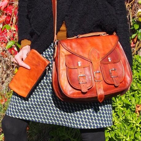 sac à main en cuir artisanal et la trousse assortie