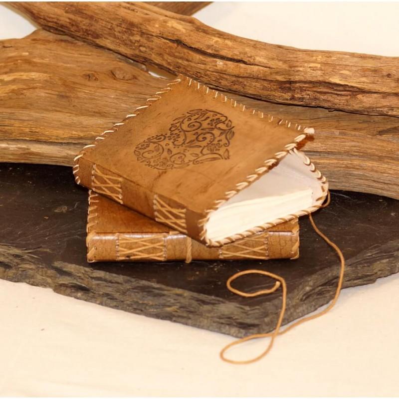 Carnet cuir rétro - coeur